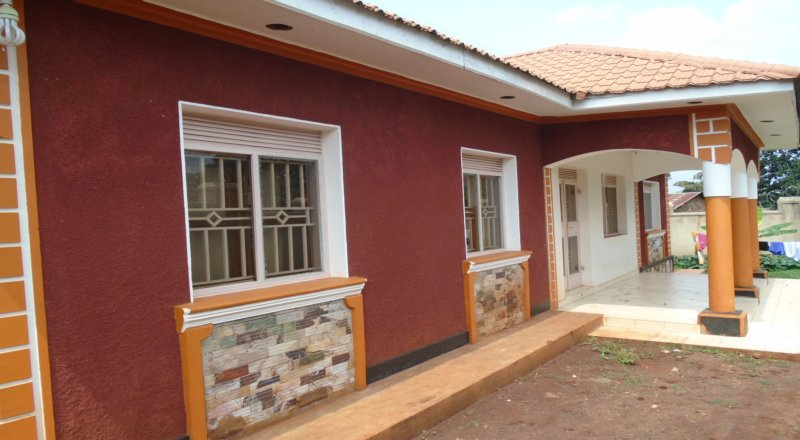 4 Bedroom, 3 Bath House for Sale in Jinja – Njeru