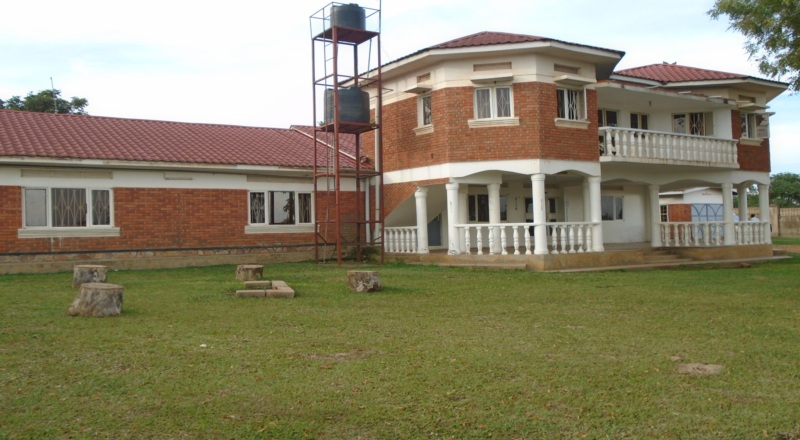 7 Bedroom Maisonette For Rent in Jinja on Half Acre of Land