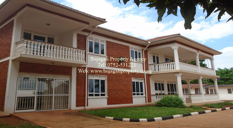 COMMERCIAL OFFICE BUILDING FOR RENT IN JINJA TOWN