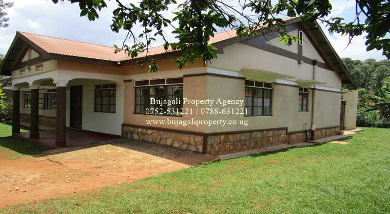 RENOVATED HOME ON TITLED PLOT FOR SALE IN JINJA