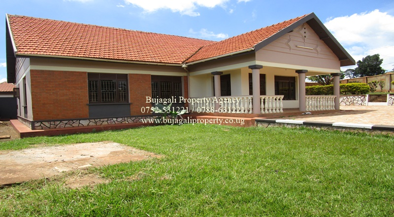 RESIDENTIAL HOUSE PROPERTY FOR RENT IN BUKAYA BUIKWE