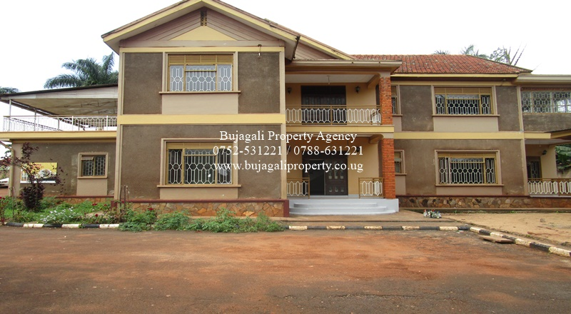 JINJA COMMERCIAL BUILDING SUITABLE FOR HOTEL