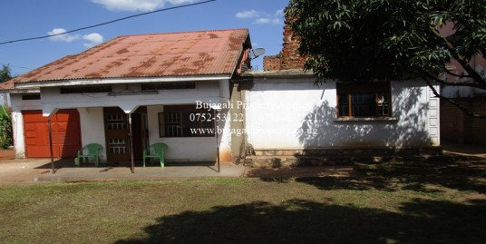 4 BEDROOM SEMI COMPLETE FLAT FOR SALE AT NAKAVULE IGANGA