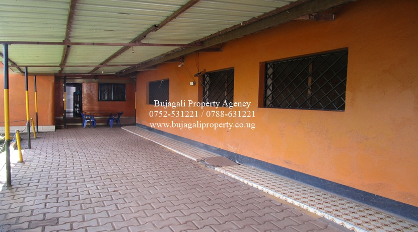 BUSINESS GUEST HOUSE FOR SALE IN JINJA CITY